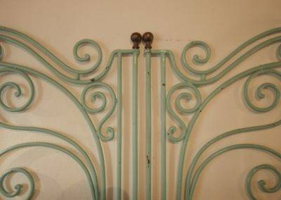 13. Ciliegi bed detail